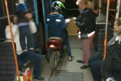 В Одессе по салону трамвая проехался мотоцикл (Фото)