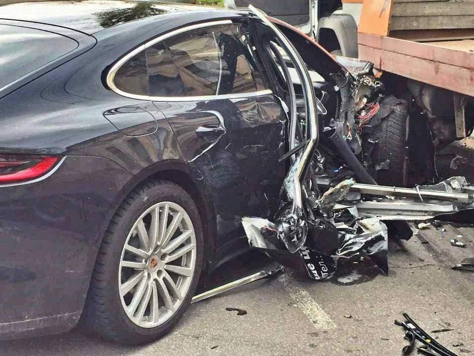 Опасный test-drive: в Одессе выставочную модель