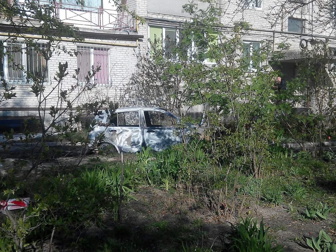 В Харькове спалили машины прокурора и его жены (Фото)
