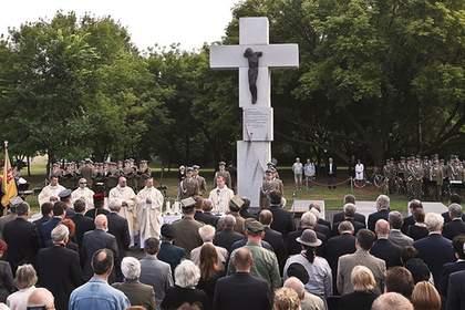 В Польше хотят снести все памятники