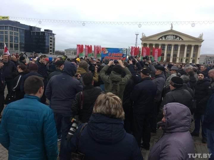 Мнение оппозиции: в Белоруссии сотня активистов вышла на антиправительственную демонстрацию