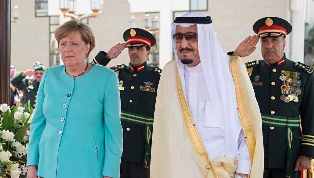 Политический моветон: канцлер ФРГ отказалась соблюдать дресс-код Саудовской Аравии (фото)
