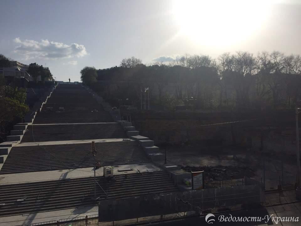В Одессе заканчивают ремонт Потёмкинской лестницы (фото)