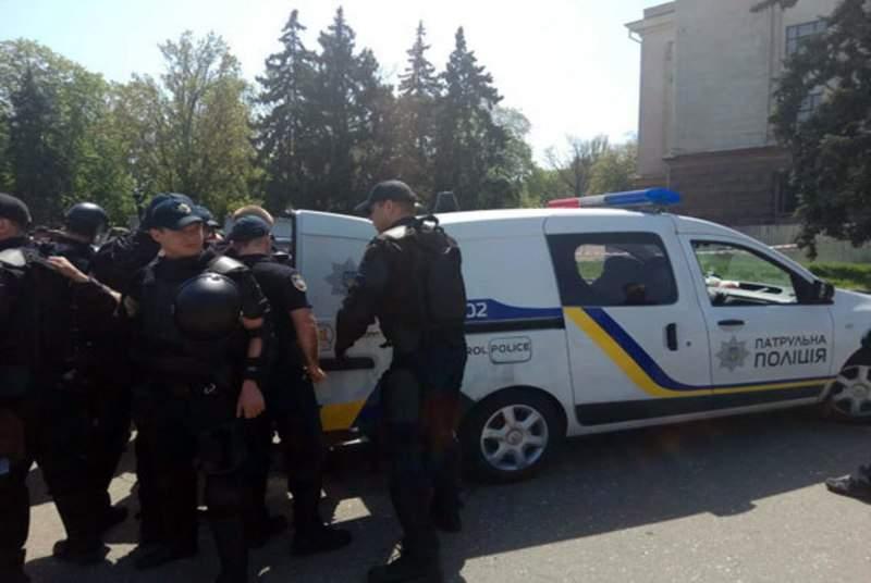 В Одессе на Куликовом поле продолжаются массовые задержания (видео)