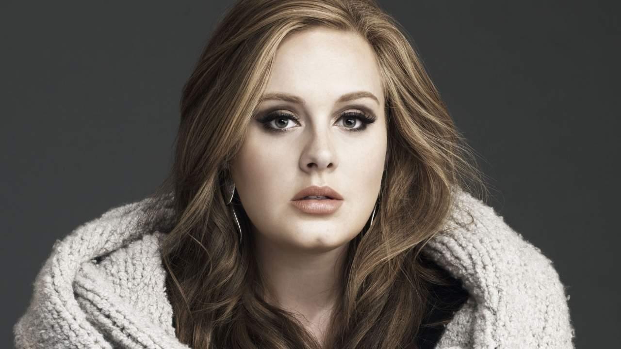 Сегодня британская исполнительница Adele отмечает свое 29-летие