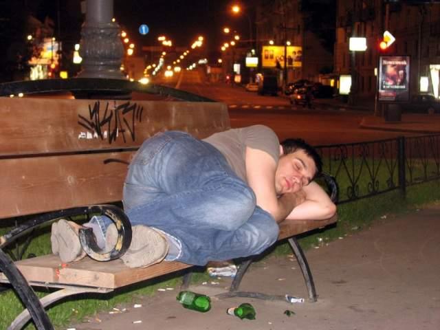 Нетерпимость к пьянству: в Киеве появилось новое радикальное движение (видео)