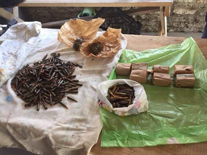 На Херсонщине и Тернопольщине СБУ изъяла оружие и боеприпасы из АТО (фото)