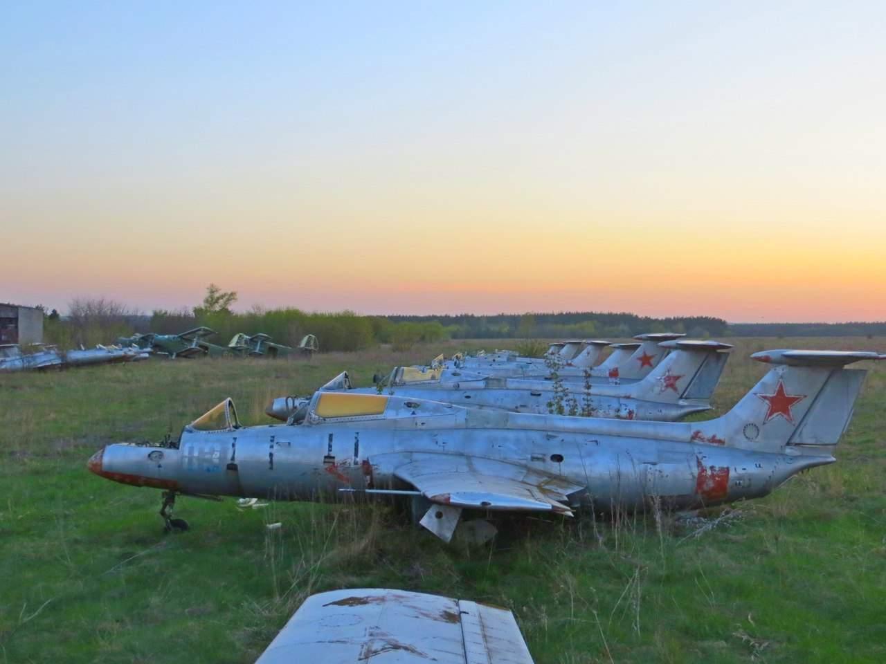 Как выглядит заброшенный аэродром в Харьковской области (Фото)