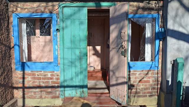 В Ясиноватой в результате обстрелов были повреждены два жилых дома