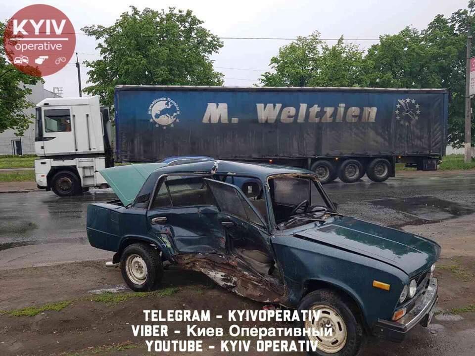 В столице произошло сокрушительное ДТП с пострадавшими (Фото)
