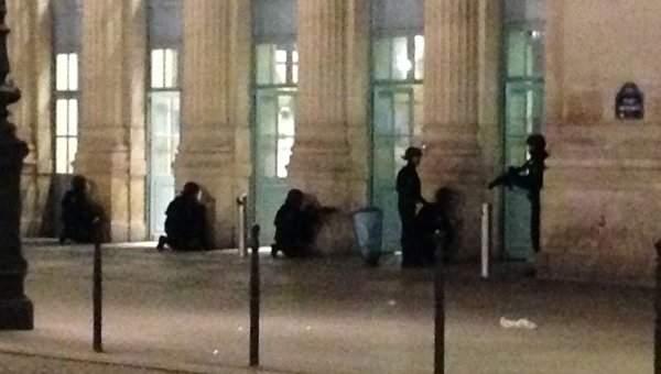 Парижская полиция проводит спецоперацию  на вокзале столицы Франции (Видео)