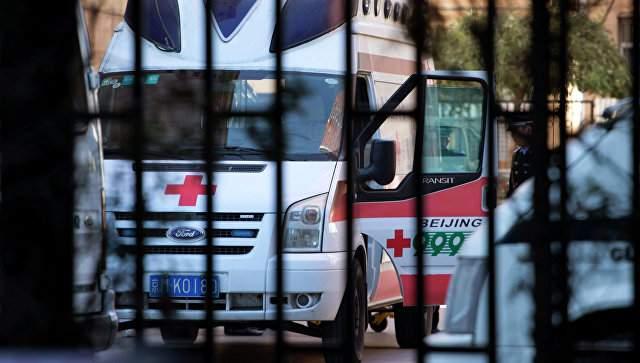 В Китае вооружённый мужчина напал на толпу: ранены 18 человек