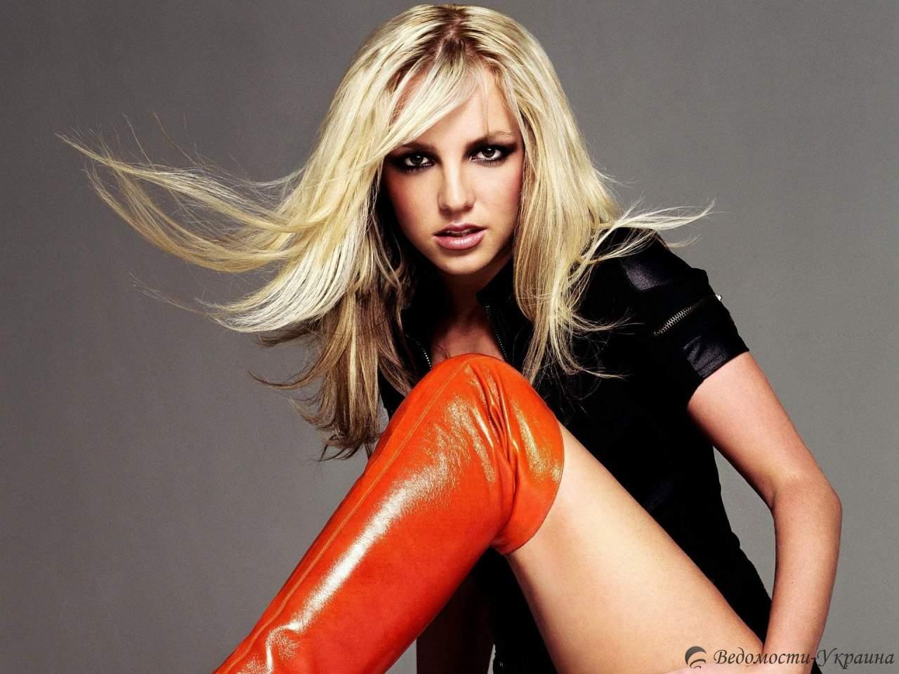 Концертные костюмы Britney Spears продают на eBay за миллион долларов