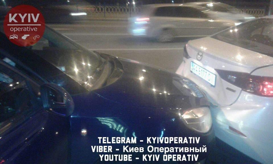 Киевлянка убегая от преследования полиции, создала двойное ДТП (Фото)