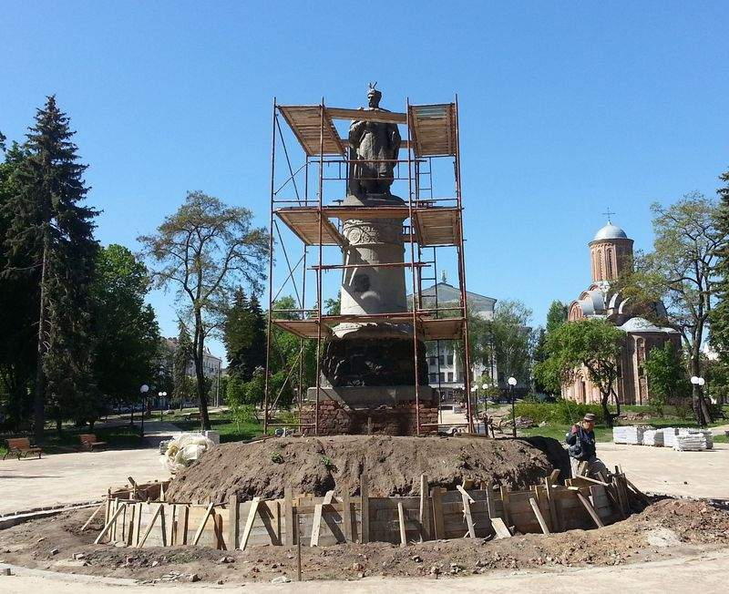 Памятник Хмельницкому в Чернигове реконструируют в соответствии с задумкой автора