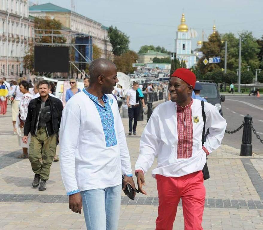 В столице к празднованию Дня вишиванки присоединились иностранные граждане (Фото)