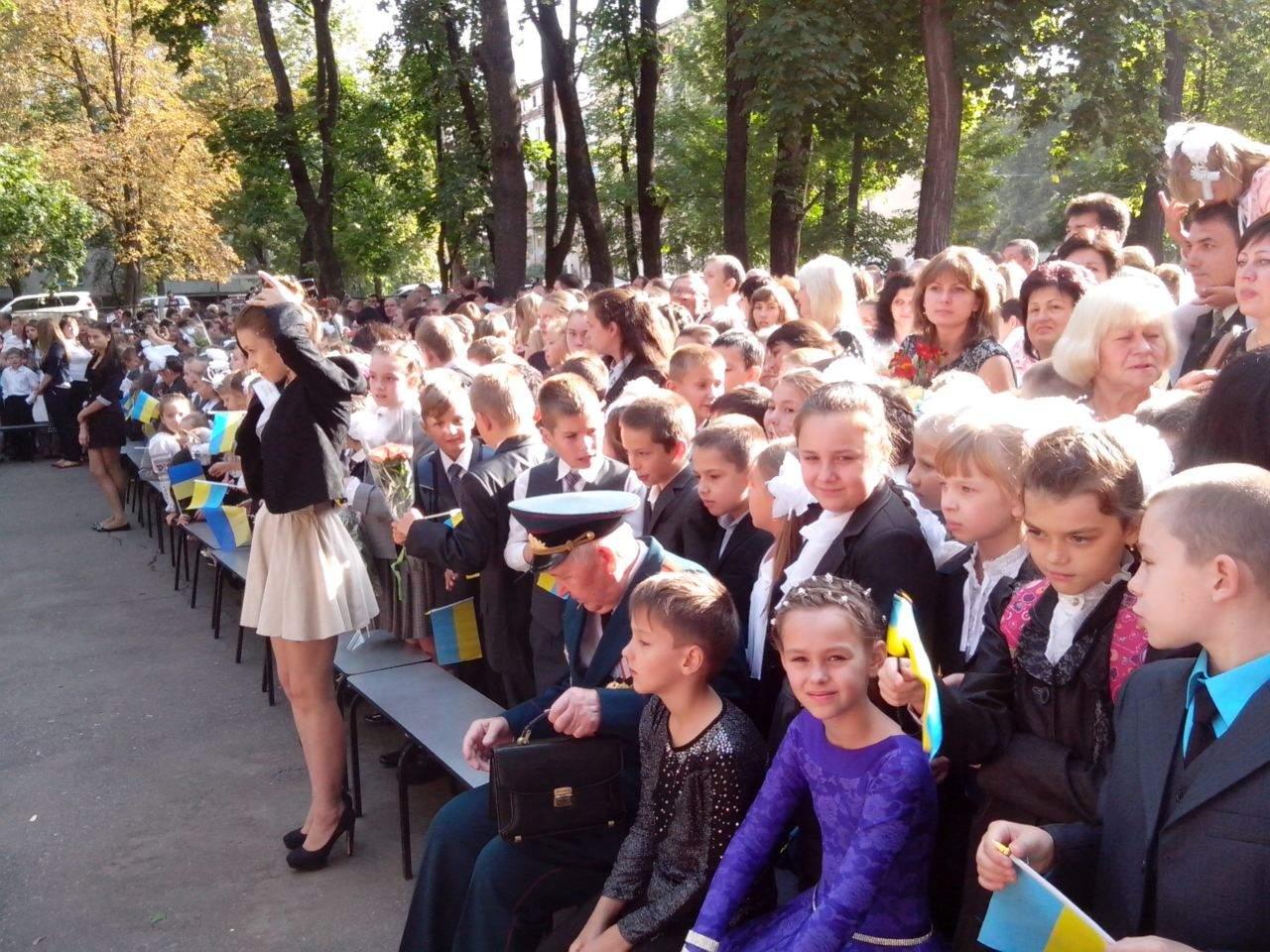 Изучение предметов на русском языке ведется  в 9% школ Украины