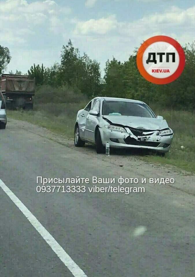 Не поделили дорогу: на трассе Киев-Одесса произошло ДТП с опрокидыванием (фото)