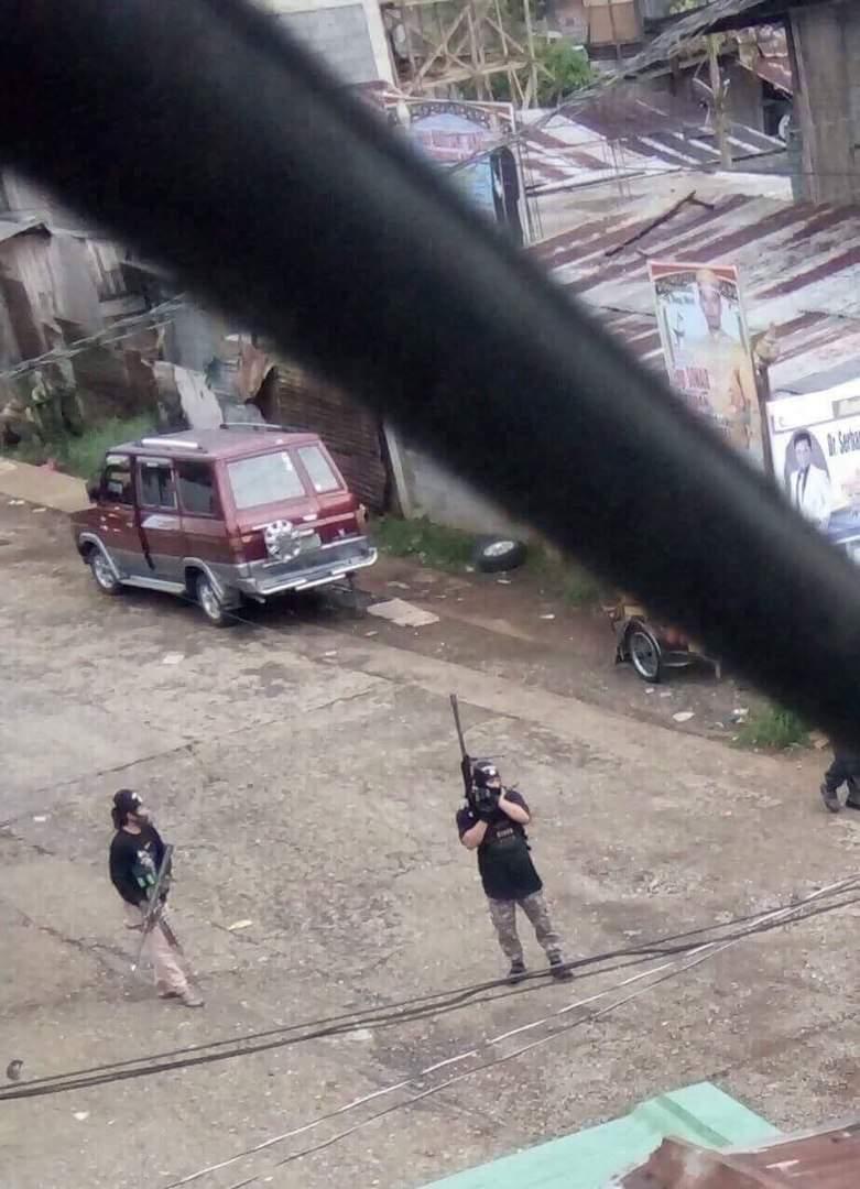 Боевики ИГИЛ взяли под контроль город на Филиппинах (фото)