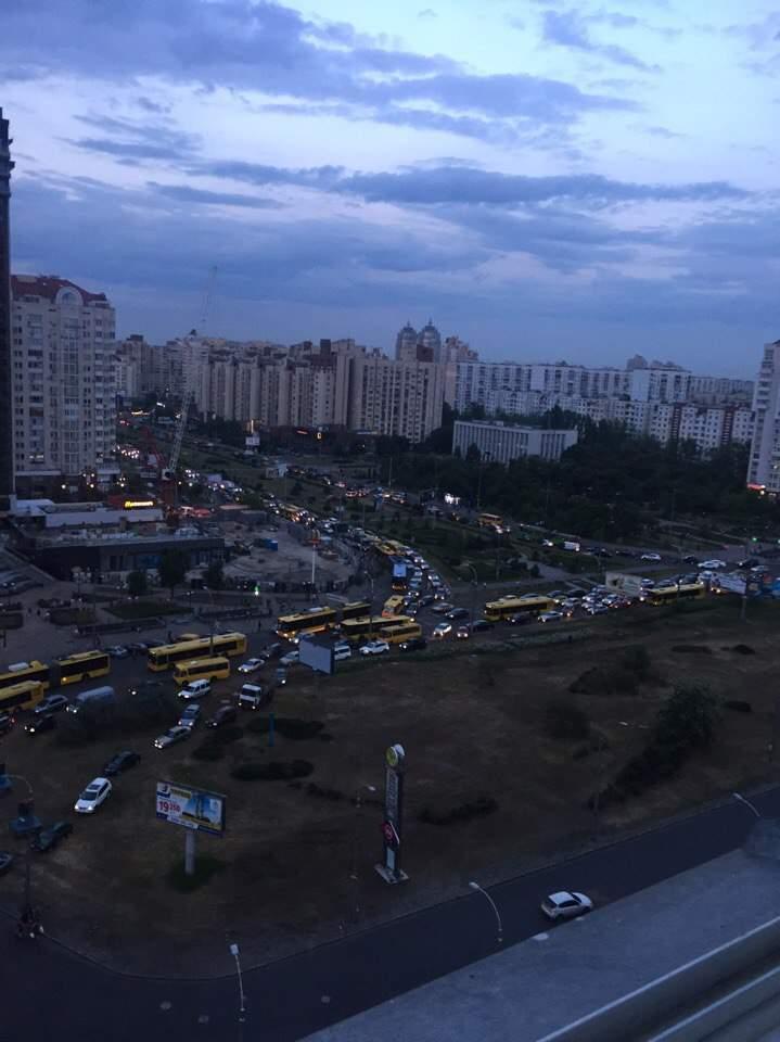 В Киеве возле метро