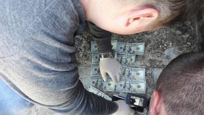 На Херсонщине начальник отделения фискальной службы погорел на взятке (фото)