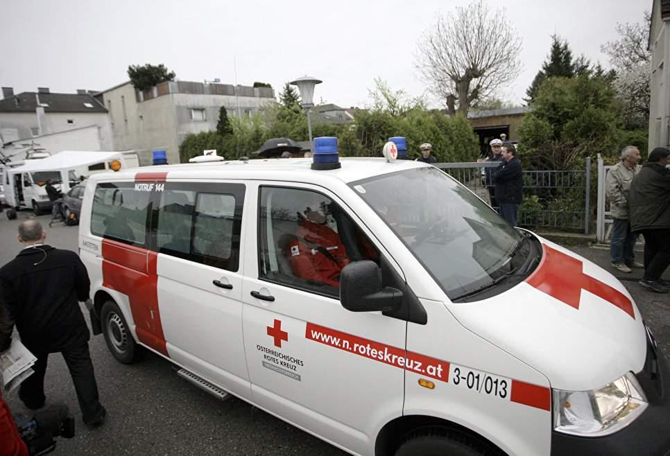 В австрийском ущелье оползень заблокировал семнадцать человек