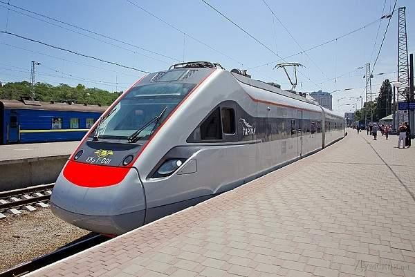 В Киеве с рельс сошёл скоростной поезд