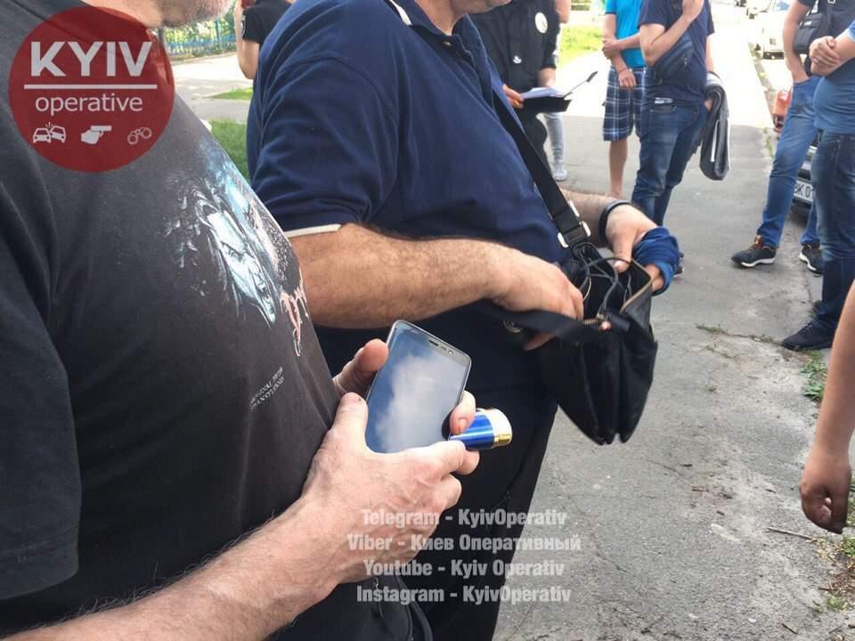 В Киеве с поличным поймали банду преступников со