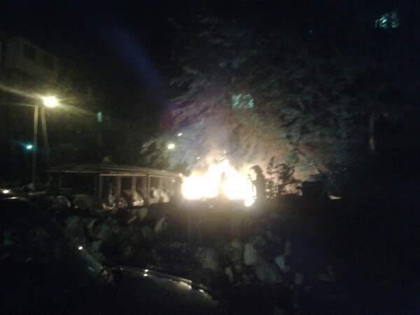 Во Львове подожгли горы мусора (Фото)