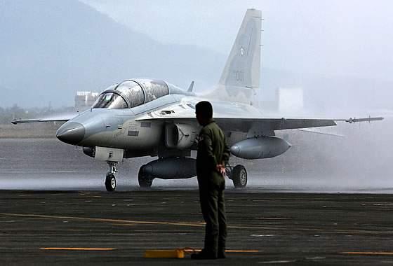ВВС Филиппин атаковали своих же военнослужащих