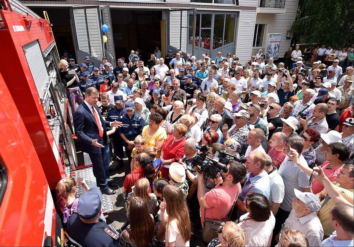 Ляшко приехал в Каховку на пожарной машине (фото)