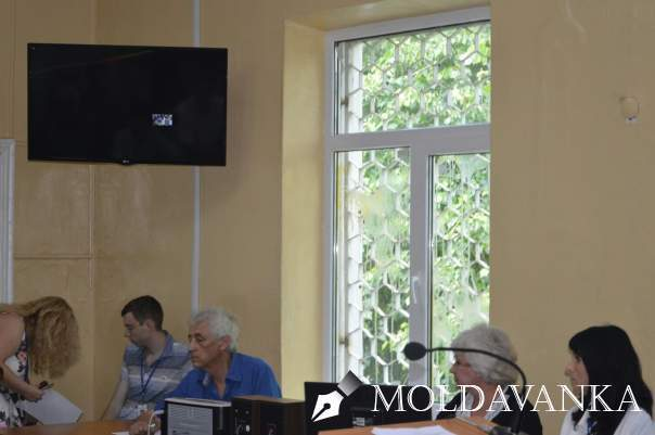 Дело 2-го мая: в Одессе активисты устроили «яичный протест» у стен суда (видео)
