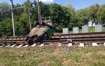 Смертельное ДТП под Черниговом: скоростной поезд протаранил автомобиль