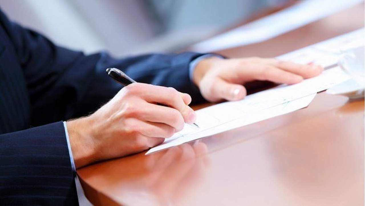 В Кривом Роге выступили за отставку 11 депутатов: подписи признали действительными