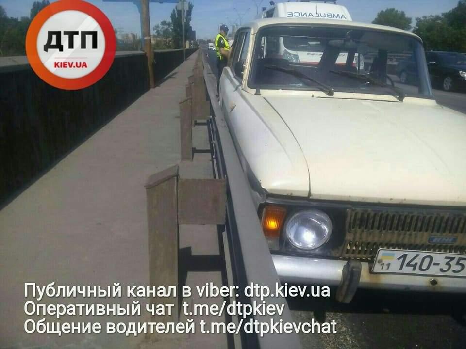 Столичный водитель попал в ДТП из-за приступа эпилепсии (Фото)