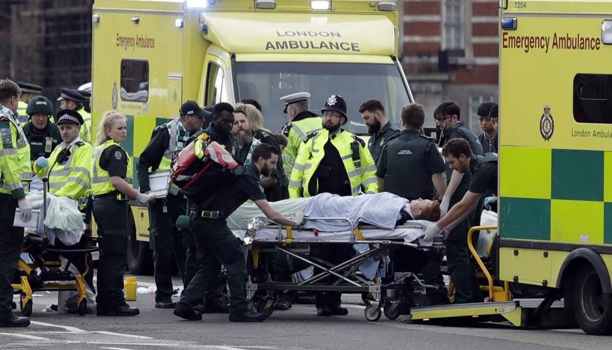 В Лондоне задержаны 12 человек по подозрению в причастности к терактам