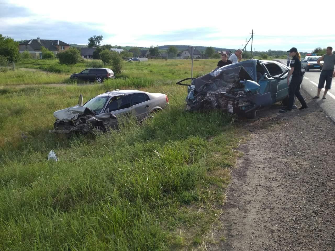 На автодороге Львов — Шегини произошло ДТП: есть пострадавшие (фото)