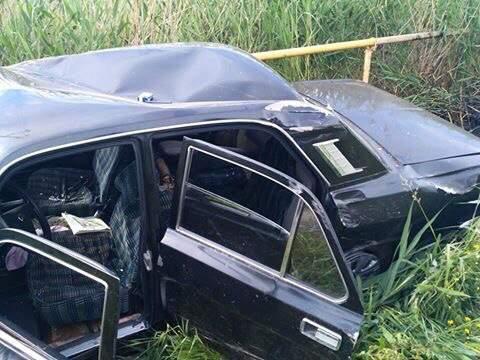 На Львовщине водитель не справился с управлением и врезался в газовую трубу (фото)