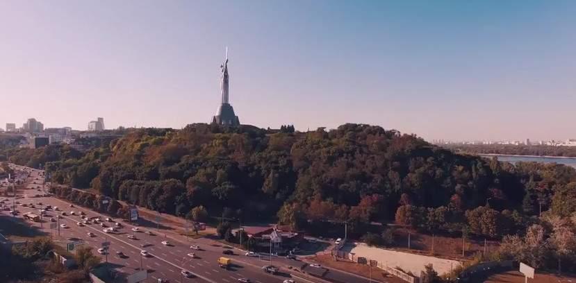 Панорамный вид Киева с высоты птичьего полета (видео)