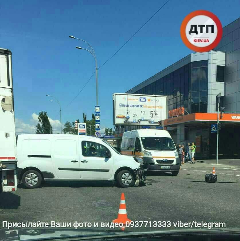 В столице произошло очередное ДТП с пострадавшими (Фото)