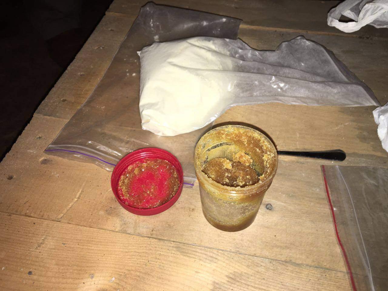 СБУ ликвидировала реализаторов «тяжелых» наркотиков в Украине (фото)