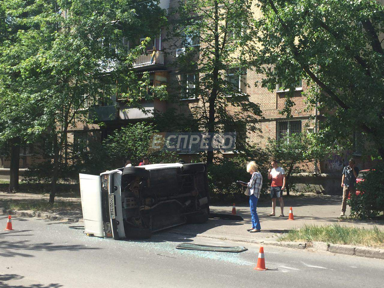 В столичном ДТП перевернулось авто (Фото)