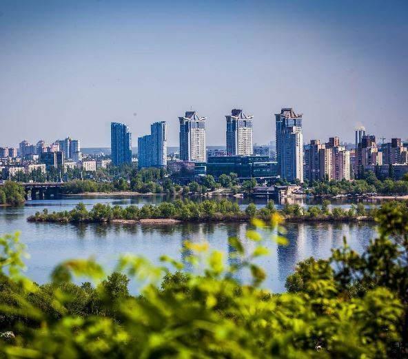 Сказочный летний Киев впечатляет своей красотой (Фото)