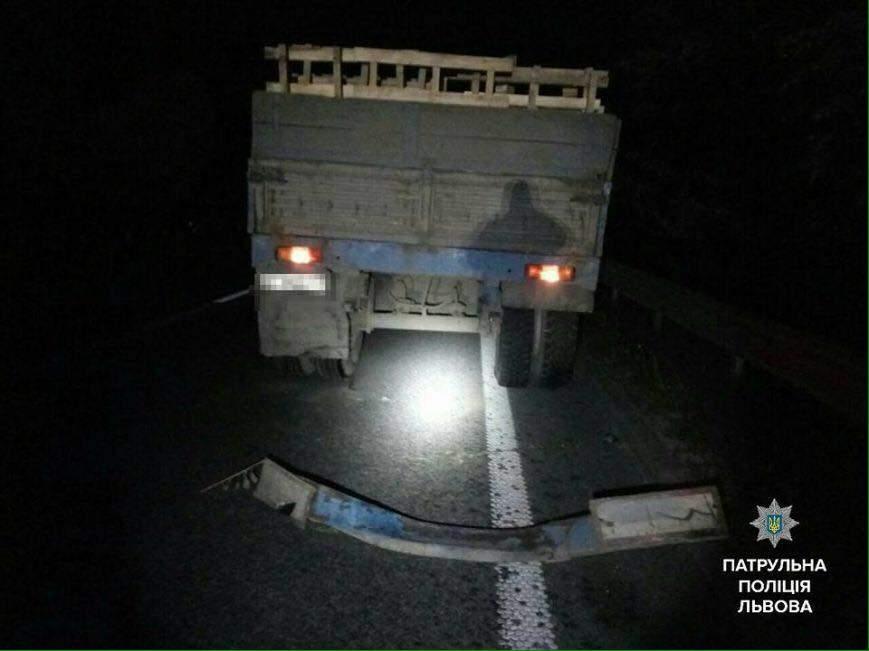 На Львовщине пьяный водитель сбежал после совершения ДТП (Фото)
