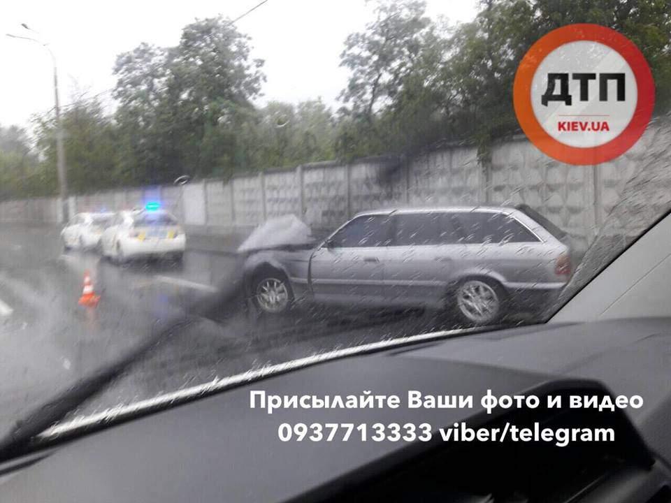 Очередное ДТП с пострадавшими произошло в Киеве (Фото)