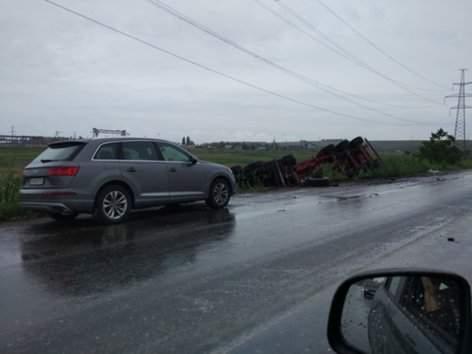 На Одесчине водитель «Lexus» не справился с управлением и протаранил грузовик (фото)