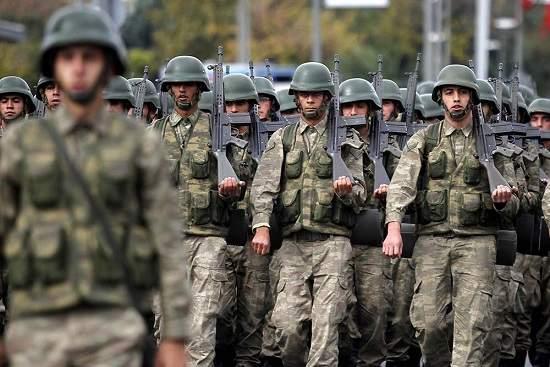 Более 700 турецких военных попали в больницу из-за пищевого отравления