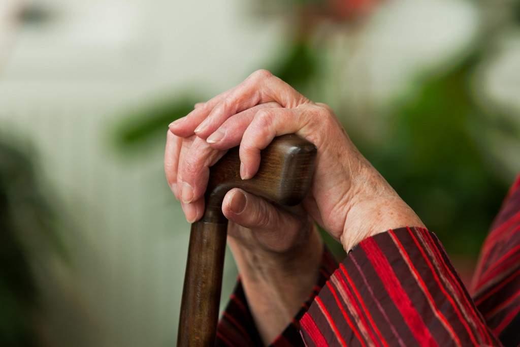 На Ровенщине обиженный дедушка проткнул живот своему оппоненту