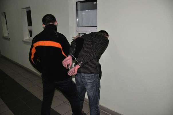 Украинские пограничники спасли двух девушек от сексуального рабства (Фото)