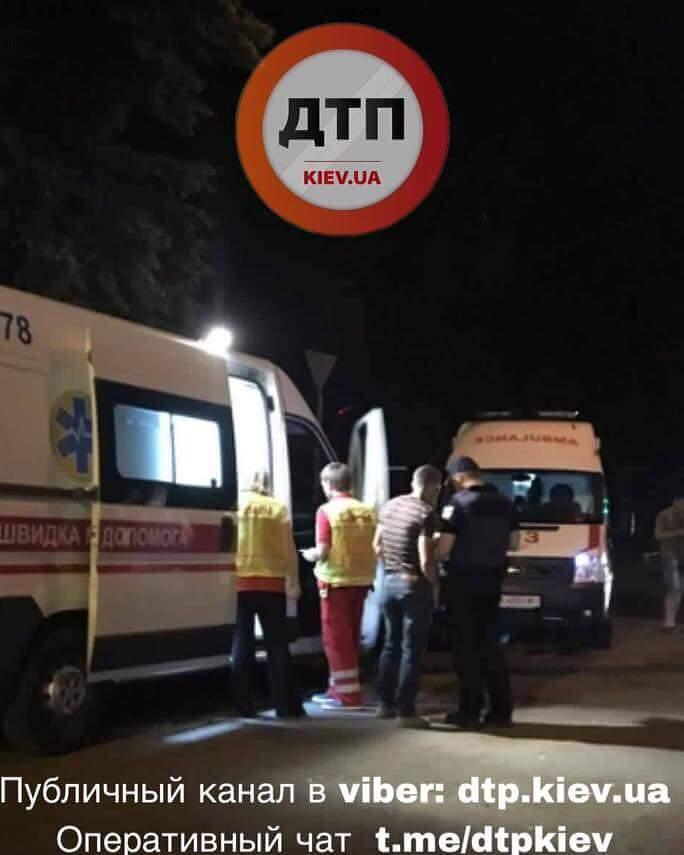 В Киеве произошло масштабное ДТП: есть пострадавшие (фото)